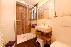 Bad Berta OG Vanity, Bathroom, Cottage House, Dressing Tables, Washroom, Powder Room, Vanity Set, Full Bath, Single Vanities