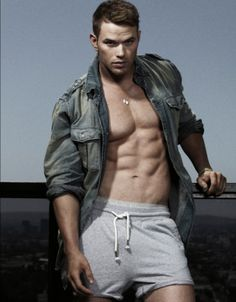 Kellan Lutz Covers 'GQ Style Australia' September 2011 Kellan Lutz shows off his abs in this photo from GQ Style Autralia's September issue. The actor, who's also featured on the mag's cover, posed… Kellan Lutz, Gq Style, Liam Hemsworth, Gq Australia, Le Male, Raining Men, Gorgeous Men, Beautiful People, Pretty Men