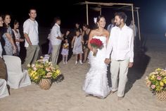 At a Brazilian beach wedding, the bride chose to go barefoot. - Flickr user Uira