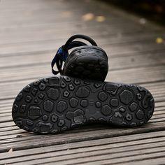 GOMNEAR 2018 letní pánské sandály mužské venkovní pláště sandály muži  protiskluzové prodyšné sporty sandály černé hobliny velikost 39-44 ca9c276f34
