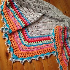 Ravelry: Project Gallery for Sunday Shawl pattern by Alia Bland