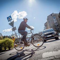 Ideoita alkuopetuksen liikennekasvatukseen etäopiskelun aikana | Liikennekasvatusuutiset Bicycle, Motorcycle, Vehicles, Bike, Bicycle Kick, Bicycles, Motorcycles, Car, Motorbikes