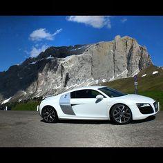 quattroroads   Audi R8 at Passo Sella Italy