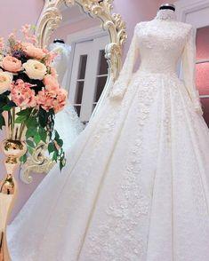 2018 Hijab Taffeta and Satin Wedding Dresses 2018 Tesettur Tafta ve Saten Gelinlik Modelleri 3 2018 Hijab Taffeta and Satin Wedding Dresses 3 - Muslimah Wedding Dress, Muslim Wedding Dresses, Bridal Dresses, Worst Wedding Dress, Classic Wedding Dress, Tan Bridesmaid Dresses, Lace Bridal, Moda Emo, Dresses Short