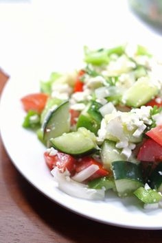 My version of the shopska salad! Cucumbers, green peppers and tomatoes with a healthy portion of feta cheese! Shopska Salad, Greek Orzo Salad, Bulgarian Recipes, Bulgarian Food, Best Salad Recipes, Delicious Recipes, Organic Recipes, Ethnic Recipes, Savory Salads