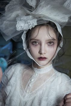 eerie look and props Fine Art Photography, Portrait Photography, Fashion Photography, Labo Photo, Photo Hacks, Top Mode, Corpse Bride, Halloween Kostüm, Face Hair
