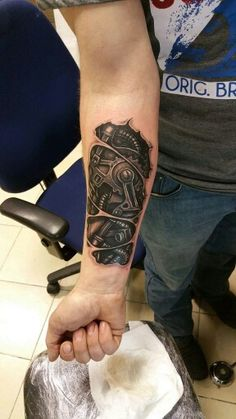 BioMechanical Tattoo by me..