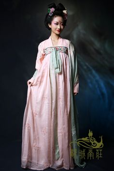 Traditional Chinese clothes, hanfu, in Tang dynasty style.