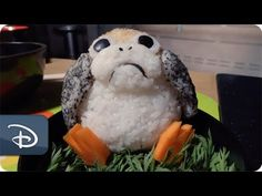 We're taking our ongoing series of Disney-inspired bento box tutorials to Star Wars Launch Bay at Disney's Hollywood Studios to create an insanely cute Porg . Bento Recipes, Copycat Recipes, Disney Parks Blog, Disney Shows, Last Jedi, Disney Food, Bento Box, Disney Vacations, Disney Inspired