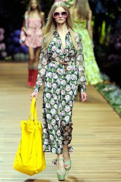 D&G Spring 2011 Ready-to-Wear Fashion Show Collection