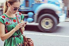 #Moda El estilo de indumentaria folklórica mexicana es una de las tendencias en vestidos de moda este año. Este estilo se inspira en los modos étnicos mexicanos, incorporando estampados con espíritu azteca, en tejidos y accesorios.  http://www.keten.mx/blog
