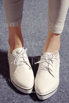 Star Lace-Up Solid Color Flat Shoes