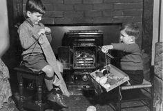 war and social upheaval: World War II British children contributions