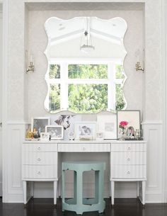WeFun Dressing Table with a Mirror Cabinet,Bedroom Dresser Furniture withDrawers and Table,for Bedroom Dressing Room