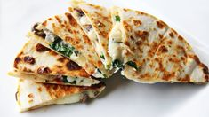 Goat cheese, mushroom, spinach, and tomato quesadilla.substitute goat cheese for cheddar and yum! Spinach Quesadilla, Quesadilla Recipes, Steak Quesadilla, Chicken Quesadillas, Mexican Food Recipes, Vegetarian Recipes, Cooking Recipes, Skillet Recipes, Cooking Tools