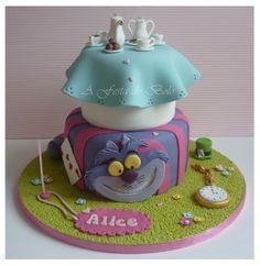 Alice in Wonerland Cake fondant