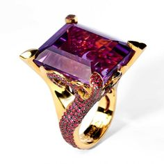 "Ring ""New Age"", in gold with amethyst and ruby by Mousson Atelier"
