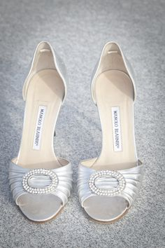 silver wedding shoes - LOVE them!