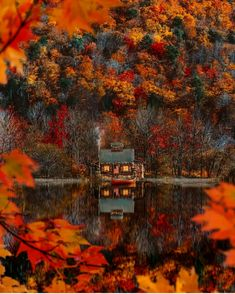 Cozy Mountain Weekend & Classy Girls Wear Pearls The post Cozy Mountain Weekend autumn scenery appeared first on Trendy. Tenda Camping, Wonderful Places, Beautiful Places, Travel Photographie, Autumn Scenes, Autumn Aesthetic, Aesthetic Photo, Autumn Cozy, Autumn Fall