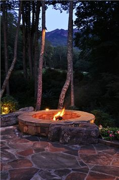 Round, Fire Pit, Boulders, Flagstone  Fire Pit