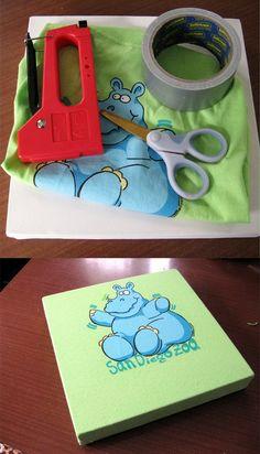 DIY Recycle an old t-shirt into a nice canvas || Recicla una camiseta en un cuadro de pared