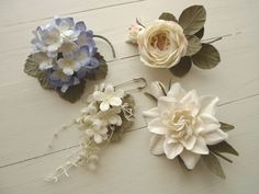 Leather Flowers, Silk Flowers, Fabric Flowers, Diy And Crafts, Arts And Crafts, Rustic Flowers, Handmade Flowers, Flower Brooch, Corsage