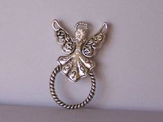RELIGIOUS GUARDIAN ANGEL WINGS CLEAR CRYSTAL BADGE ID EYE GLASS HOLDER BROOCH PIN