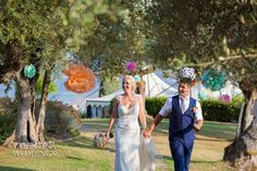 Our garden has never been so full of colors....Thank you Faye and your fabulous mother Sandra! Photos by Valentina Weddings