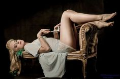 #pinup #glamour #baroque #legs