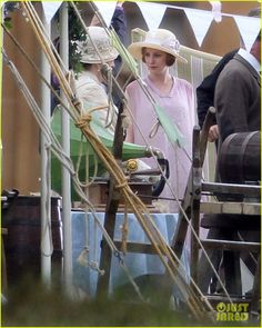 Dame Maggie & Laura behind the scenes filming the church bazaar, Episode Pbs Tv Shows, Lady Violet, Hugh Bonneville, Dowager Countess, Masterpiece Theater, Downton Abbey Fashion, Michelle Dockery, Maggie Smith, Best Series