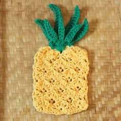 Crochet up some cute pineapple washcloths with this free pattern. Makes a really cute applique too!