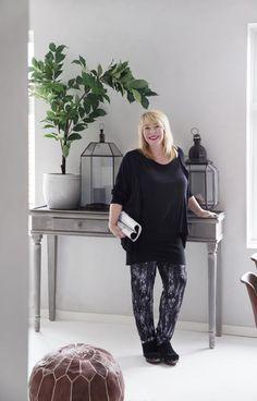 Tone Kroken in her Oslo apartement. Oslo, Normcore, Homes, Friends, Grey, Kitchen, People, Fashion, Amigos