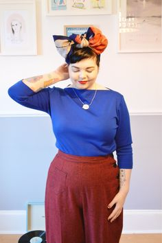Styling vintage-inspired trousers with a knotted headscarf | full look at: http://misswestendgirl.com/trousers-vivien-of-holloway/