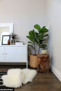 #EQ3Spotted Mackenzie Clarke from The Standard Issue shares her home office featuring EQ3's Teak Stool