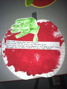 Apple theme- cutout an apple pattern and let them paint it. For the stem I used green paint and used their handprint. And then put the poem on it. So easy and cute. Preschool Apple Theme, Fall Preschool, Preschool Projects, Daycare Crafts, Preschool Themes, Classroom Crafts, Apple Activities Kindergarten, Classroom Ideas, Classroom Door