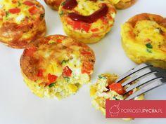 Dziś rano wymyśliłam zapiekane mini omleciki z dużą ilością dodatków. Takie śniadanko to ja rozumiem! :) Wyszło pyszne, mega sycące, oryginalne oraz bardzo kolorowe - dzieciom na sto procent takie śniadanko bardzo posmakuje. Polish Recipes, Breakfast Time, School Lunch, Food Design, Baked Potato, Kids Meals, Muffins, Food And Drink, Gluten Free