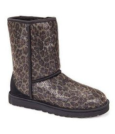 christmas clearance, top quality UGG BOOTS on sale, HOT-SELLING ugg boots clearance, cheap discount ugg boots wholesale. Ugg Snow Boots, Ugg Boots Sale, Ugg Winter Boots, Ugg Boots Cheap, Uggs For Cheap, Snow Boots Women, Classic Ugg Boots, Ugg Classic Mini, Ugg Classic Short