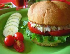 Sandwich grillé à la salade de goberge #poisson #sandwich #recette