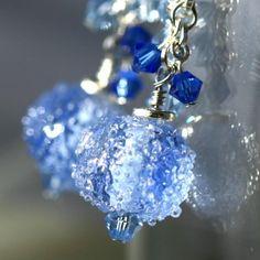 Blue Christmas Earrings!!! #wire #beads #earrings