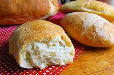 Sourdough baking tips Recipes With Yeast, Sourdough Recipes, Sourdough Bread, Flour Recipes, Low Sodium Bread, No Carb Bread, Baking Science, Kitchen Aid Recipes, Sandwich Bread Recipes
