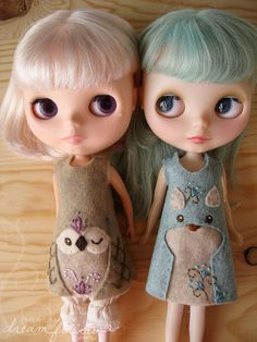 How flippin adorable are these? I've got to get my Blythes a matching set of forest dresses!!