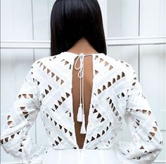 The 7 white tops that instantly enhance your style - Out Trend Clothes Street Style Outfits, Looks Street Style, Mode Outfits, Looks Style, Style Me, Fashion Details, Look Fashion, Womens Fashion, Fashion Trends