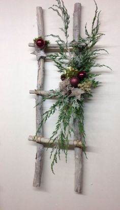 Dekoration Weihnachten - 52 Beautiful Rustic Christmas Decorations You Can Easily DIY www. Noel Christmas, Christmas Wreaths, Christmas Ornaments, Christmas Music, Christmas Movies, Disneyland Christmas, Christmas Porch, Christmas 2017, Outdoor Christmas