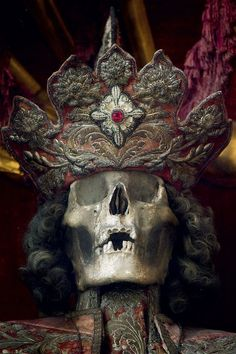 """St Faustus, Irsee, Germany, from """"Heavenly Bodies: Cult Treasures & Spectacular Saints from the Catacombs"""" by Paul Koudounaris Memento Mori, Post Mortem, The Catacombs, Danse Macabre, Skull And Bones, Skull Art, Our Lady, Occult, Archaeology"""