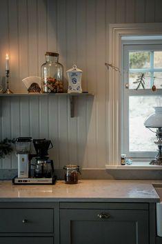 Real Kitchen, Kitchen Dining, Kitchen Cabinets, Camden House, Interior Decorating, Interior Design, Cottage Design, Scandinavian Home, Küchen Design