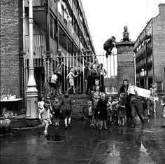 Corporation Buildings, Dublin 1960's. Dublin Street, Dublin City, Old Irish, Irish Celtic, Old Pictures, Old Photos, Ireland Homes, Photo Engraving, Emerald Isle