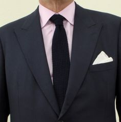 In a recent study, men in slim fit suit were rated more positively on all attributes apart from trustworthiness compared to the man in the regular suit. This study suggests that well-tailored clothes can make others view you as more confident, successful, trustworthy, wealthy and flexible (Howlet et al., 1996). #dresstoimpress #wardrobe #fashion #suit #mensfashion