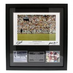 49903ee9c Pele   Gordan Banks Dual Signed Framed Print- 1970 World Cup Finals… 1970
