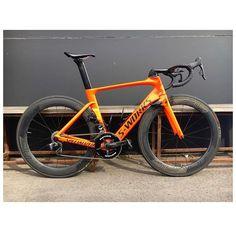 Mtb Bike, Cycling Bikes, Racing Bike, Bicycle Painting, Bike Kit, Specialized Bikes, Road Bikes, Soccer, Gadgets