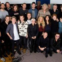 Sale el video de Bono y One Direction contra el ébola